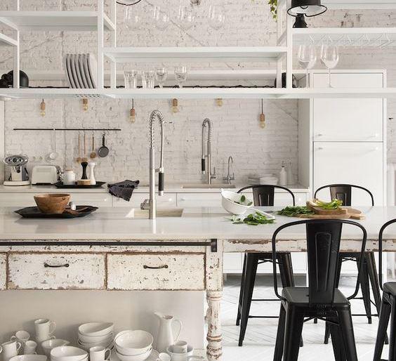 Stylishly practical kitchen island ideas for Practical kitchen ideas