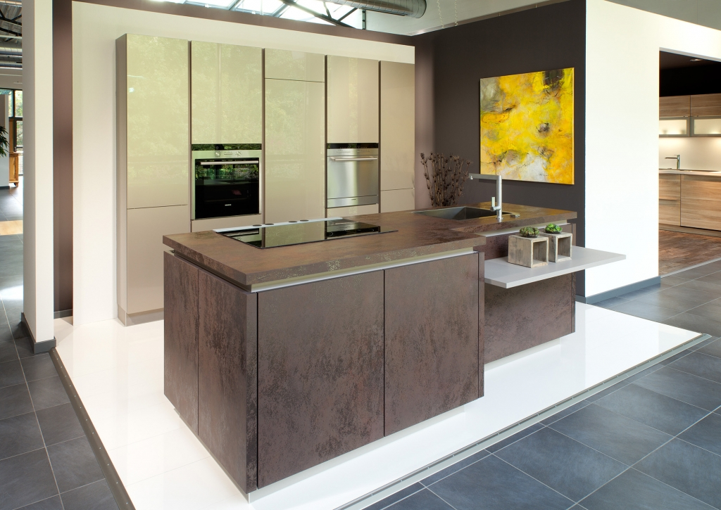 Beautiful kitchens in brookmans park for Contemporary kitchen units