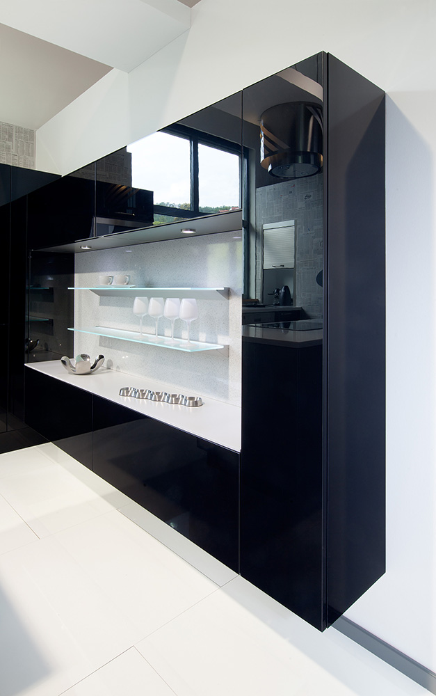 Stylish kitchens in cockfosters for Black kitchen wall units