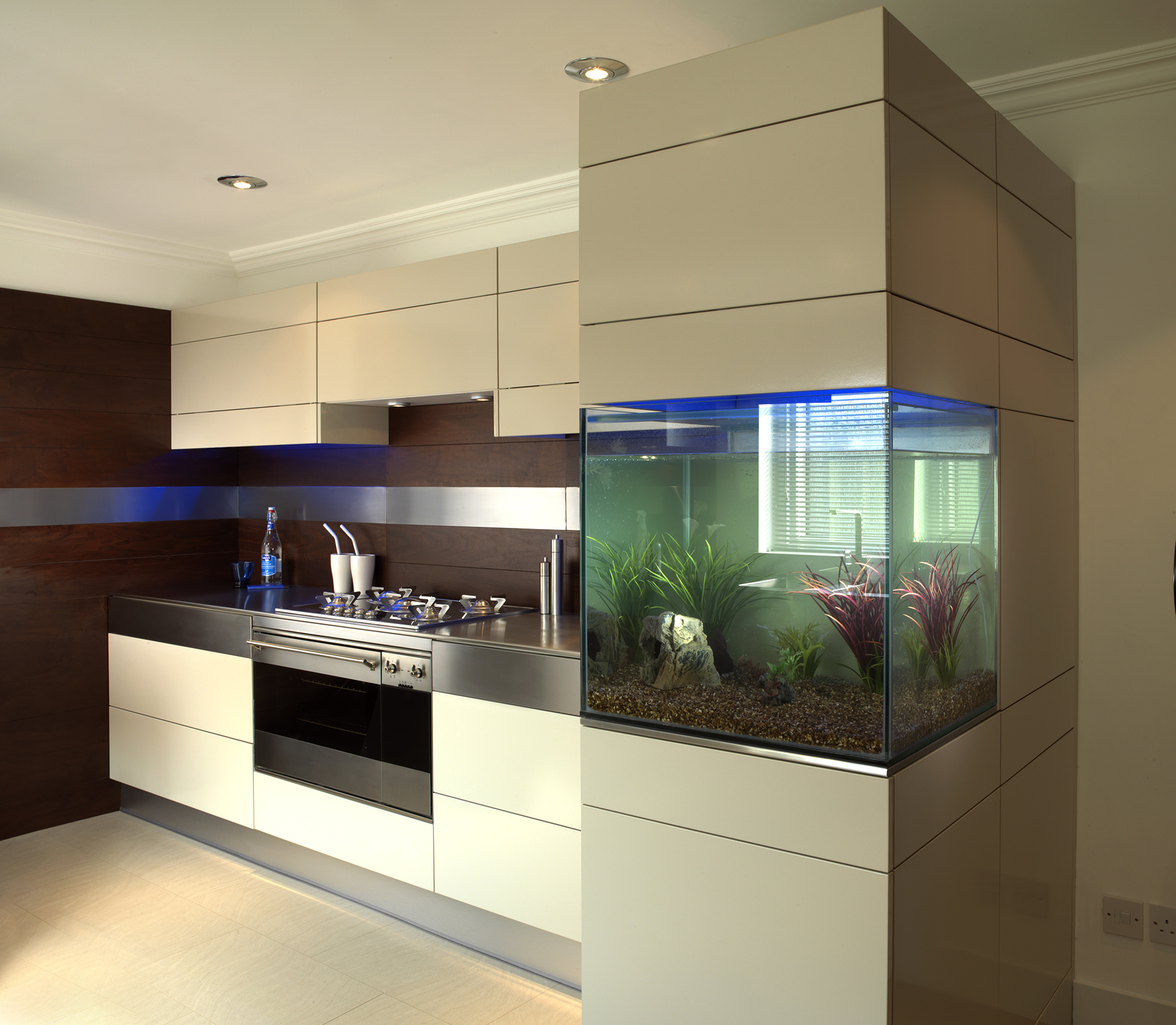 Cream High Gloss Kitchen Units
