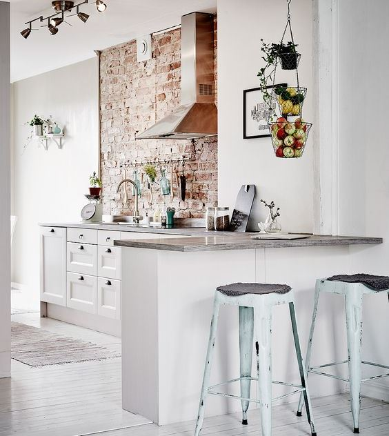 feature-wall-for-industrial-kitchen