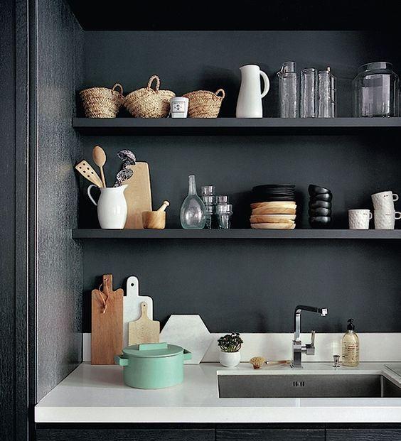 tidy-kitchen-open-shelve