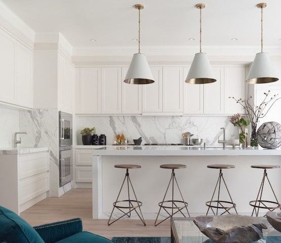 white-kitchen-with-marble-details