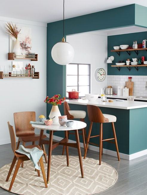 small-kitchen-with-dash-of-color