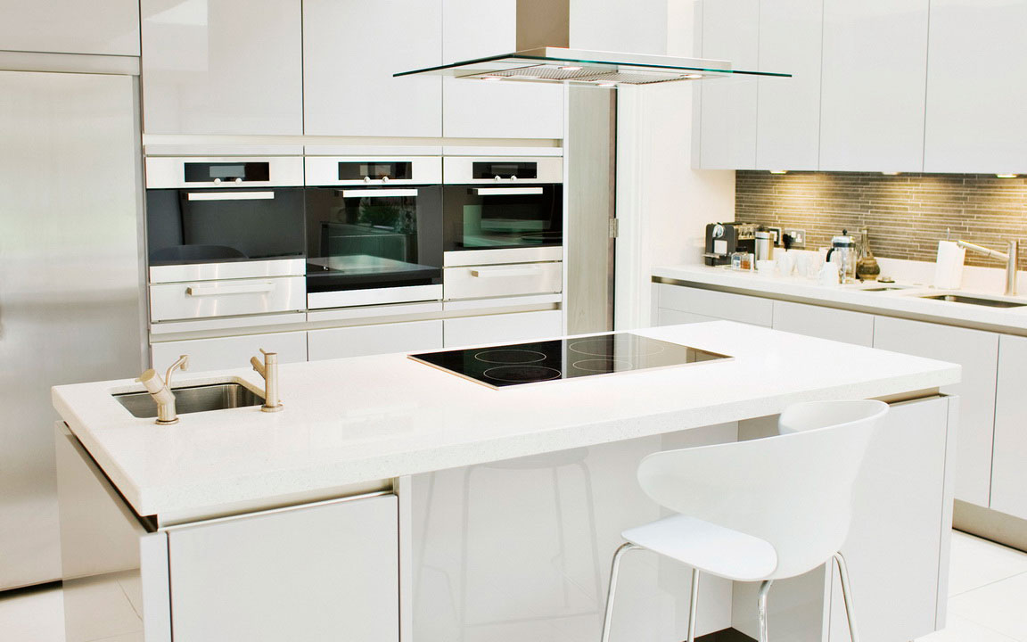 Contemporary Kitchen Design Structured cabinetry and hard-edged worktops