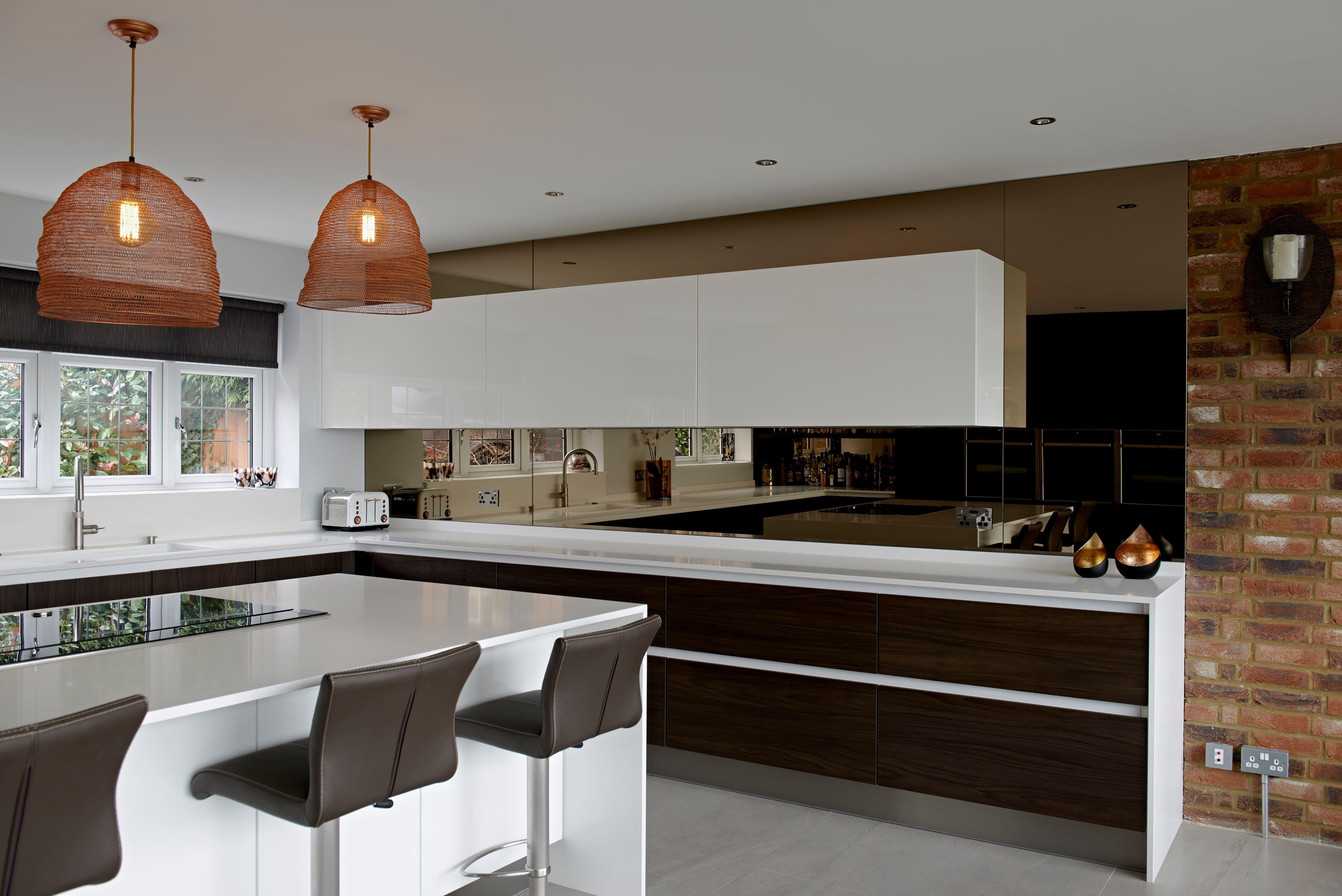 https://www.designer-kitchens.co.uk/wp-content/uploads/2019/10/PETERSWOODHILL-35149.jpg